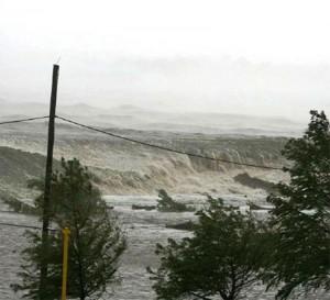 Marejada Ciclónica mientras entraba y destruía escuela en costas de Luisiana durante el huracán Katrina. (Don McCloskey)